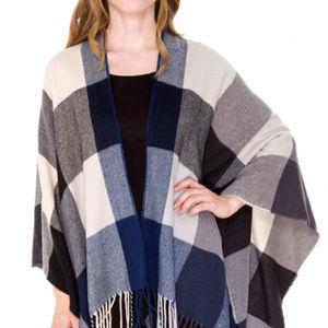 New check  pattern ruana shawl cape